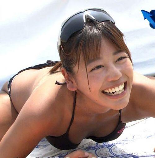 新ビーチの妖精 坂口佳穂の大股開きとおっぱいがお宝なエロ画像 83枚 No.34