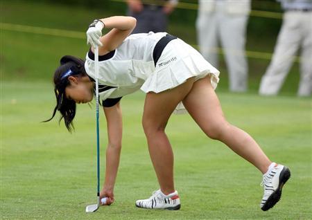 【エロ画像】女子ゴルフのTV中継のハプニングパンチラが抜けるwwww 37枚 No.6