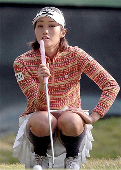 【エロ画像】女子ゴルフのTV中継のハプニングパンチラが抜けるwwww 37枚 No.18