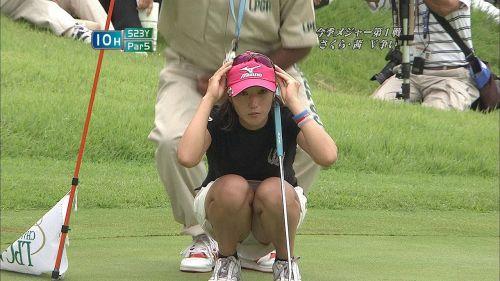 【エロ画像】女子ゴルフのTV中継のハプニングパンチラが抜けるwwww 37枚 No.33