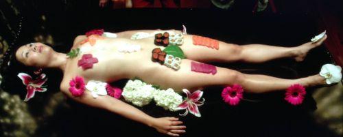 刺し身の味付けは愛液でお願いしたい女体盛りのエロ画像 39枚 No.2