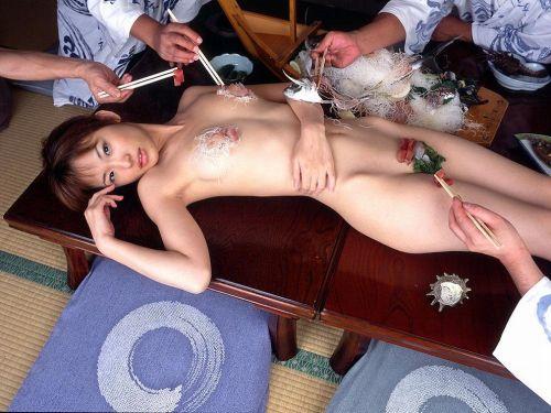 刺し身の味付けは愛液でお願いしたい女体盛りのエロ画像 39枚 No.10