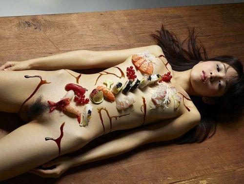 刺し身の味付けは愛液でお願いしたい女体盛りのエロ画像 39枚 No.29