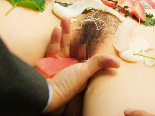 刺し身の味付けは愛液でお願いしたい女体盛りのエロ画像 39枚 No.31