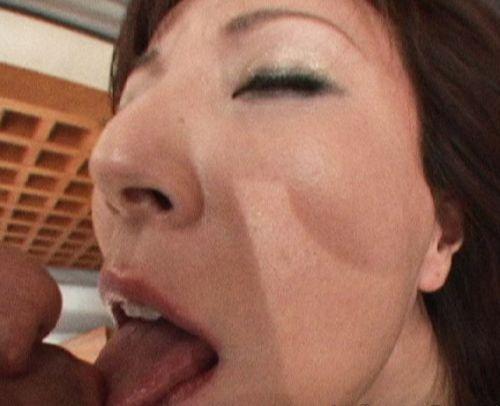 舌同士でベロベロ舐め合うベロチュー熟女に欲情しちゃうエロ画像 33枚 No.5