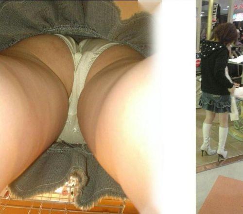 激カワなショップ店員さんのパンチラを逆さ撮りした盗撮画像 39枚 No.21