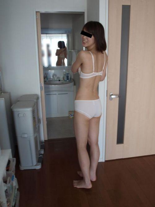 熟女の刺繍入り純白下着が新鮮でエロくみえちゃうエロ画像まとめ 32枚 No.3