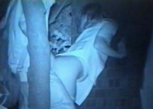 【画像】カップルの野外後背位セックスを赤外線カメラで盗撮したったwww 33枚 No.22