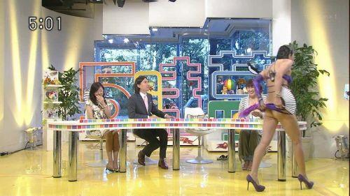 岡本夏生がTVでケツを丸出しにしちゃう破天荒熟女のエロ画像 126枚 No.34