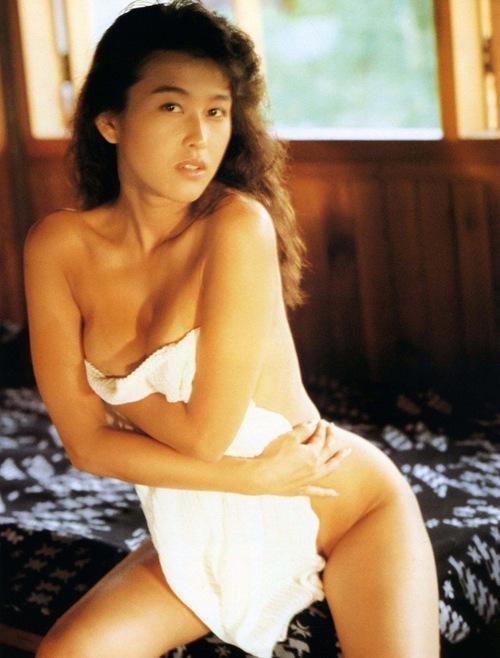 岡本夏生がTVでケツを丸出しにしちゃう破天荒熟女のエロ画像 126枚 No.76