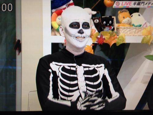 岡本夏生がTVでケツを丸出しにしちゃう破天荒熟女のエロ画像 126枚 No.101