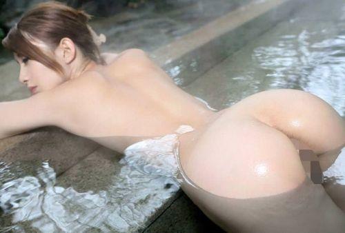 お風呂や銭湯で湯船に浸かった女性のうなじに勃起しちゃうエロ画像 32枚 No.9
