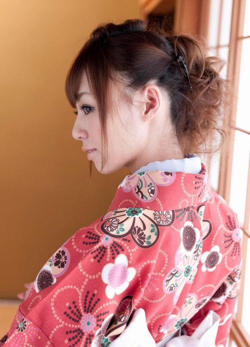 【盗撮画像】着物姿の和服美人のうなじがやっぱり一番色っぽいよな! 48枚 No.12