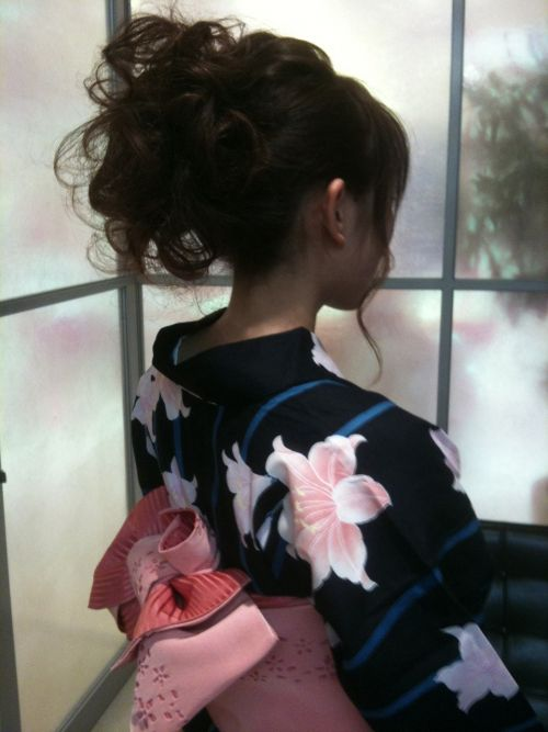 【盗撮画像】着物姿の和服美人のうなじがやっぱり一番色っぽいよな! 48枚 No.22