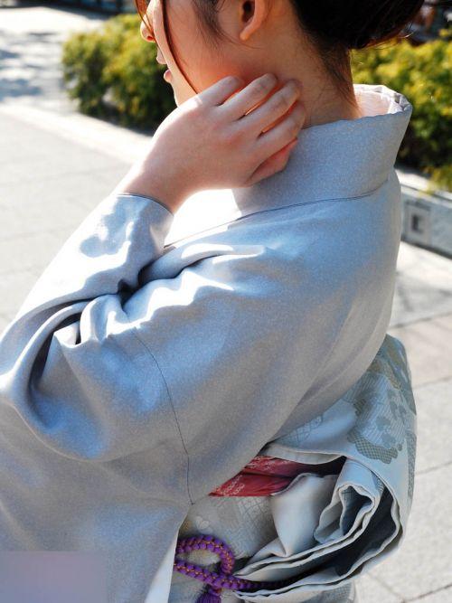 【盗撮画像】着物姿の和服美人のうなじがやっぱり一番色っぽいよな! 48枚 No.25