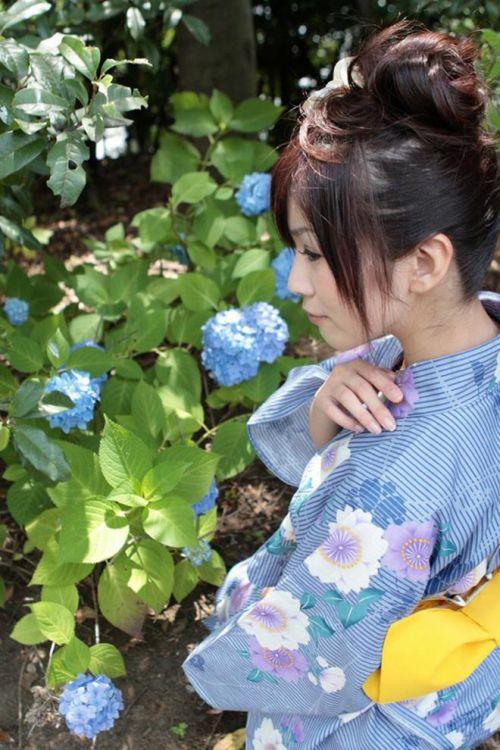 【盗撮画像】着物姿の和服美人のうなじがやっぱり一番色っぽいよな! 48枚 No.28