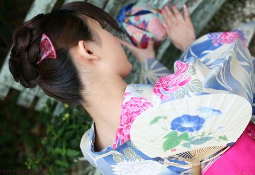 【盗撮画像】着物姿の和服美人のうなじがやっぱり一番色っぽいよな! 48枚 No.31