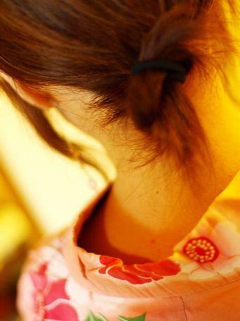 【盗撮画像】着物姿の和服美人のうなじがやっぱり一番色っぽいよな! 48枚 No.40