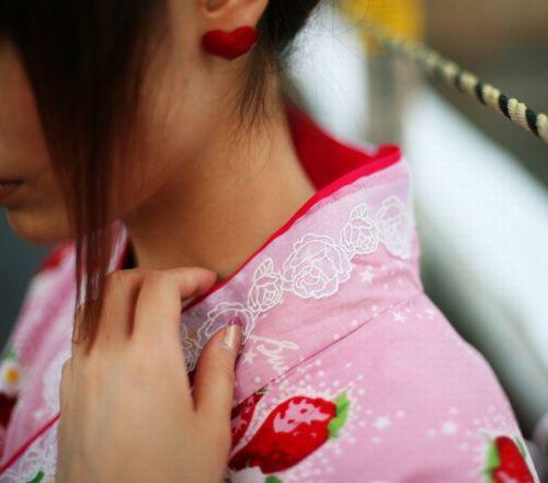 【盗撮画像】着物姿の和服美人のうなじがやっぱり一番色っぽいよな! 48枚 No.48