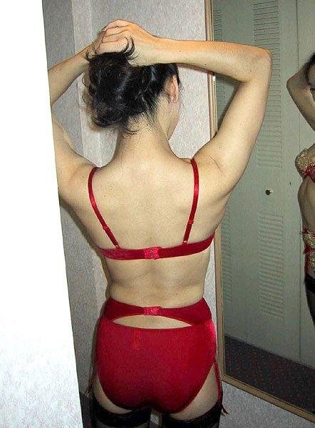 【エロ画像】熟女や人妻が赤いランジェリーで勝負を仕掛けた結果www 39枚 No.13