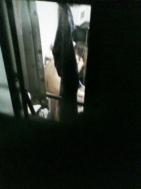 民家のおっぱい・股間丸出しな女の子を窓の外から盗撮したエロ画像 41枚 No.37