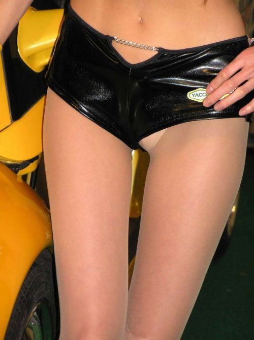【エロ画像】過激衣装を着たキャンギャルのヘソチラや絶対領域www 39枚 No.11