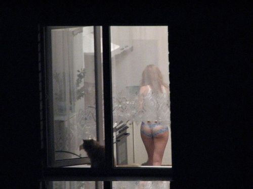 窓の外から女の子のお尻がバッチリ見えちゃってる盗撮エロ画像 38枚 No.30