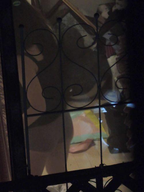 窓の外から女の子のお尻がバッチリ見えちゃってる盗撮エロ画像 38枚 No.32