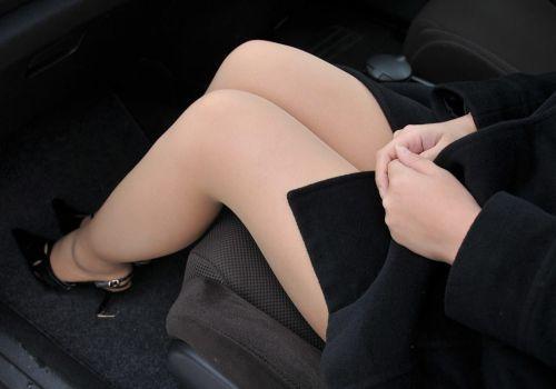 車内でむき出しになった女の子の太ももを盗撮したエロ画像 38枚 No.7