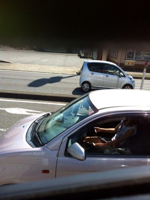 車内でむき出しになった女の子の太ももを盗撮したエロ画像 38枚 No.13