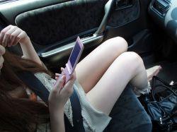 車内でむき出しになった女の子の太ももを盗撮したエロ画像 38枚 No.25