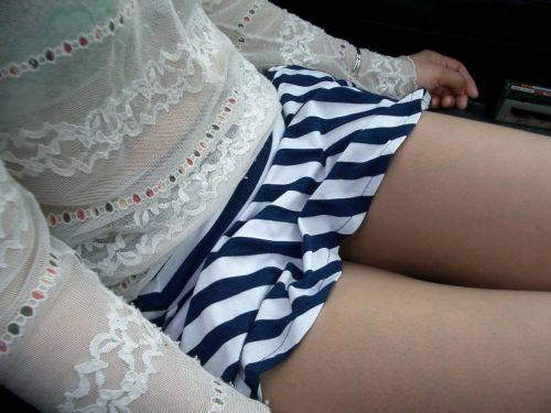 車内でむき出しになった女の子の太ももを盗撮したエロ画像 38枚 No.38