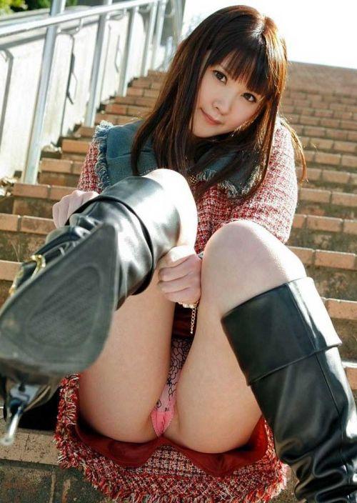 可愛いミニスカJKが体育座りでパンツ見えちゃってるエロ画像 37枚 No.7