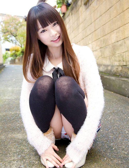 可愛いミニスカJKが体育座りでパンツ見えちゃってるエロ画像 37枚 No.19