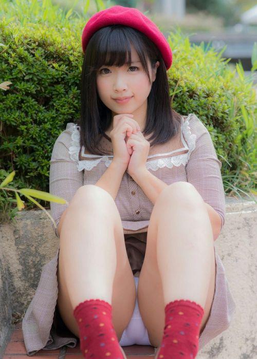 可愛いミニスカJKが体育座りでパンツ見えちゃってるエロ画像 37枚 No.25