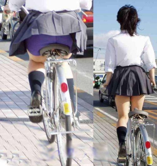超ミニスカJK達が自転車に乗ったらパンチラが確変状態なエロ画像 38枚 No.5