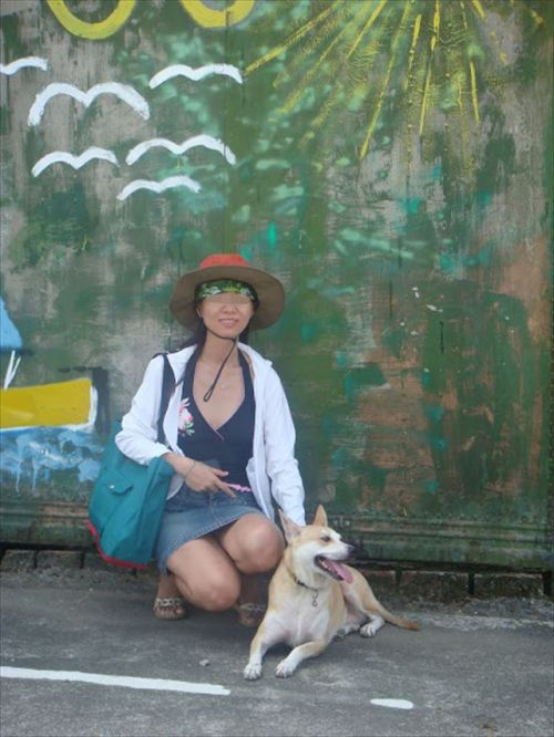 素人熟女がしゃがんでパンティ見えてるのを盗撮したエロ画像! 33枚 No.22