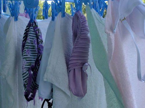 女の子のパンツやブラジャーなどの干した洗濯物の盗撮エロ画像 37枚 No.4