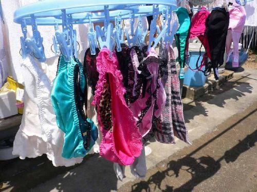 女の子のパンツやブラジャーなどの干した洗濯物の盗撮エロ画像 37枚 No.7