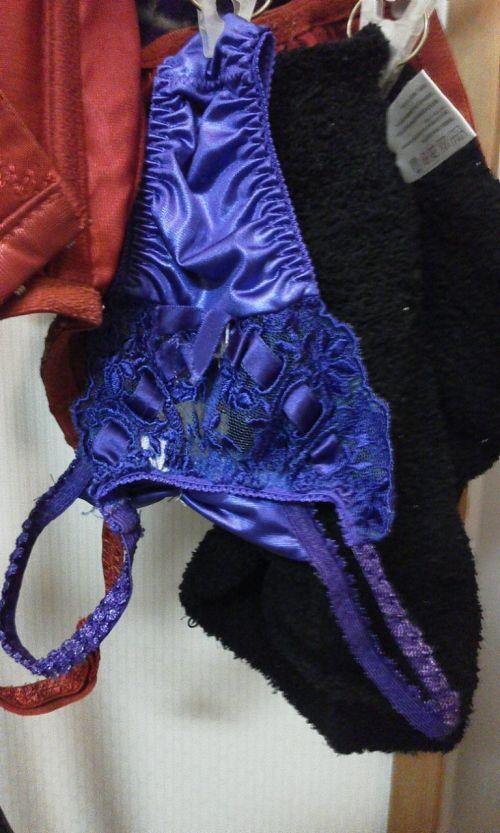 女の子のパンツやブラジャーなどの干した洗濯物の盗撮エロ画像 37枚 No.11