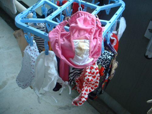 女の子のパンツやブラジャーなどの干した洗濯物の盗撮エロ画像 37枚 No.18