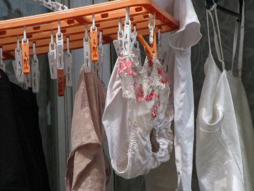 女の子のパンツやブラジャーなどの干した洗濯物の盗撮エロ画像 37枚 No.29