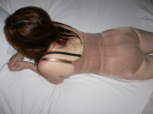 補正下着を着たムチムチなで豊満な熟女・人妻のエロ画像 39枚 No.27