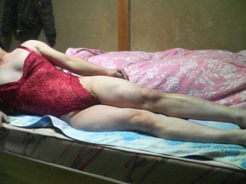 補正下着を着たムチムチなで豊満な熟女・人妻のエロ画像 39枚 No.32