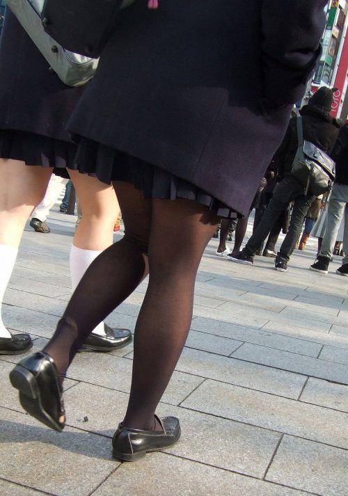 【画像】黒タイツJKの足がエロくてムラムラする奴ちょっと来い! 36枚 No.4