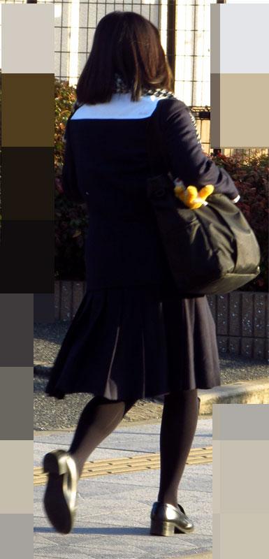 【画像】黒タイツJKの足がエロくてムラムラする奴ちょっと来い! 36枚 No.19