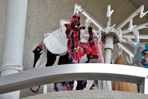 ベランダで干してあるパンティやブラジャーを盗撮した下着エロ画像 34枚 No.22