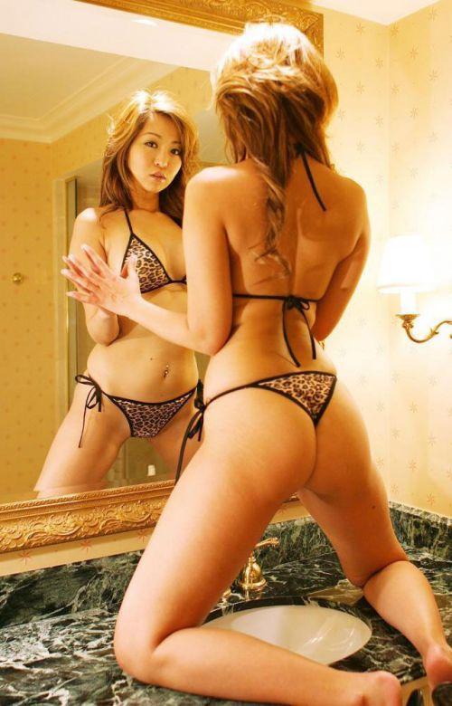 ヒョウ柄Tバックパンティを履いたビッチな女の子のお尻エロ画像 29枚 No.4