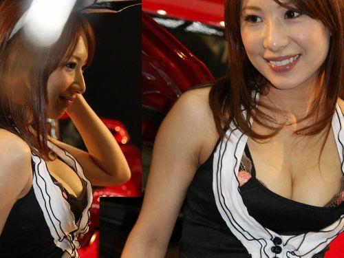 【胸チラ画像】キャンギャルは胸のエロい谷間を見せるのが本業! 36枚 No.20