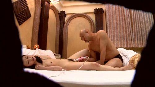 ラブホテルで盗撮された生々しい素人カップルのセックスエロ画像 35枚 No.24